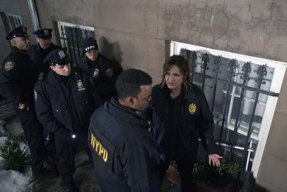 """LAW AND ORDER SVU Season 22 Episode 11 -- """"Our Words Will Not Be Heard"""" Episode 22011 -- Pictured: (l-r) Demore Barnes as Deputy Chief Christian Garland, Mariska Hargitay as Captain Olivia Benson -- (Photo by: Heidi Gutman/NBC)"""