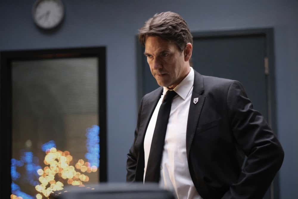 """Batwoman Season 2 Episode 11 -- """"Arrive Alive"""" -- Image Number: BWN211a_0307r -- Pictured: Dougray Scott as Commander Jacob Kane -- Photo: Bettina Strauss/The CW -- © 2021 The CW Network, LLC. All Rights Reserved."""
