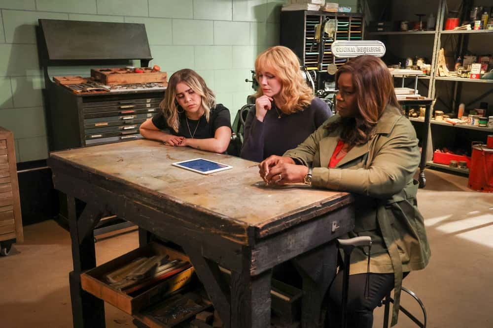 GOOD GIRLS Season 4 Episode 6 Photos Grandma Loves Grisham