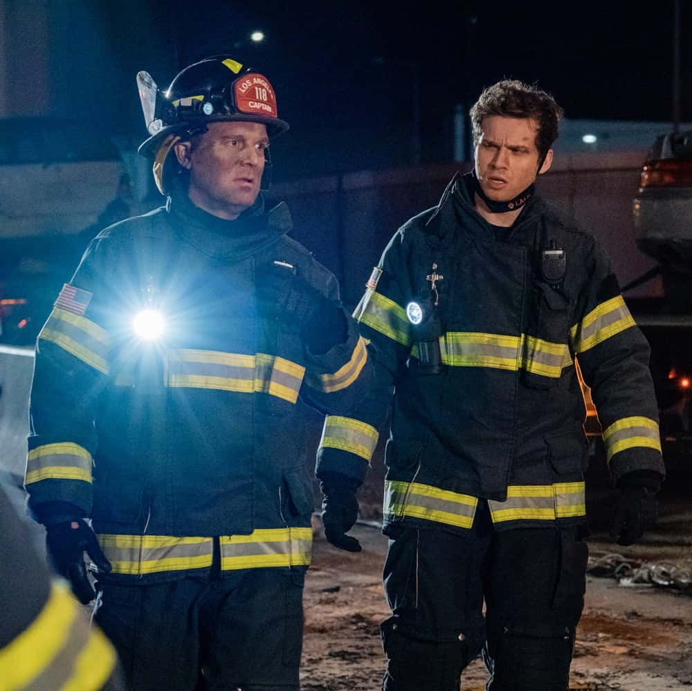 """9-1-1 Season 4 Episode 9 : L-R: Peter Krause and Oliver Stark in the """"Breaking Point"""" episode of 9-1-1 airing Monday, April 19 (8:00-9:00 PM ET/PT) on FOX. CR: FOX. © 2021 FOX Media LLC."""