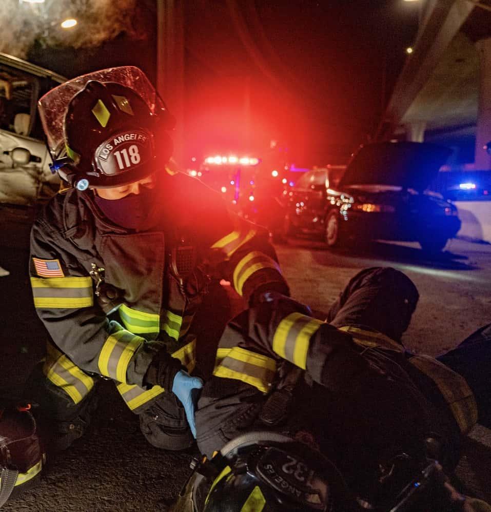 911 S4 Ep409 Sc29 0051