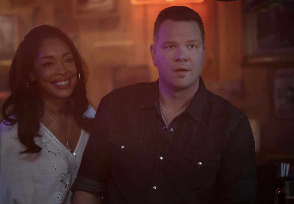"9-1-1 LONE STAR Season 2 Episode 9 : L-R: Gina Torres and Jim Parrack in the ""Saving Grace"" episode of 9-1-1: LONE STAR airing Monday, April 19 (9:01-10:00 PM ET/PT) on FOX. © 2021 Fox Media LLC. CR: Jordin Althaus/FOX."