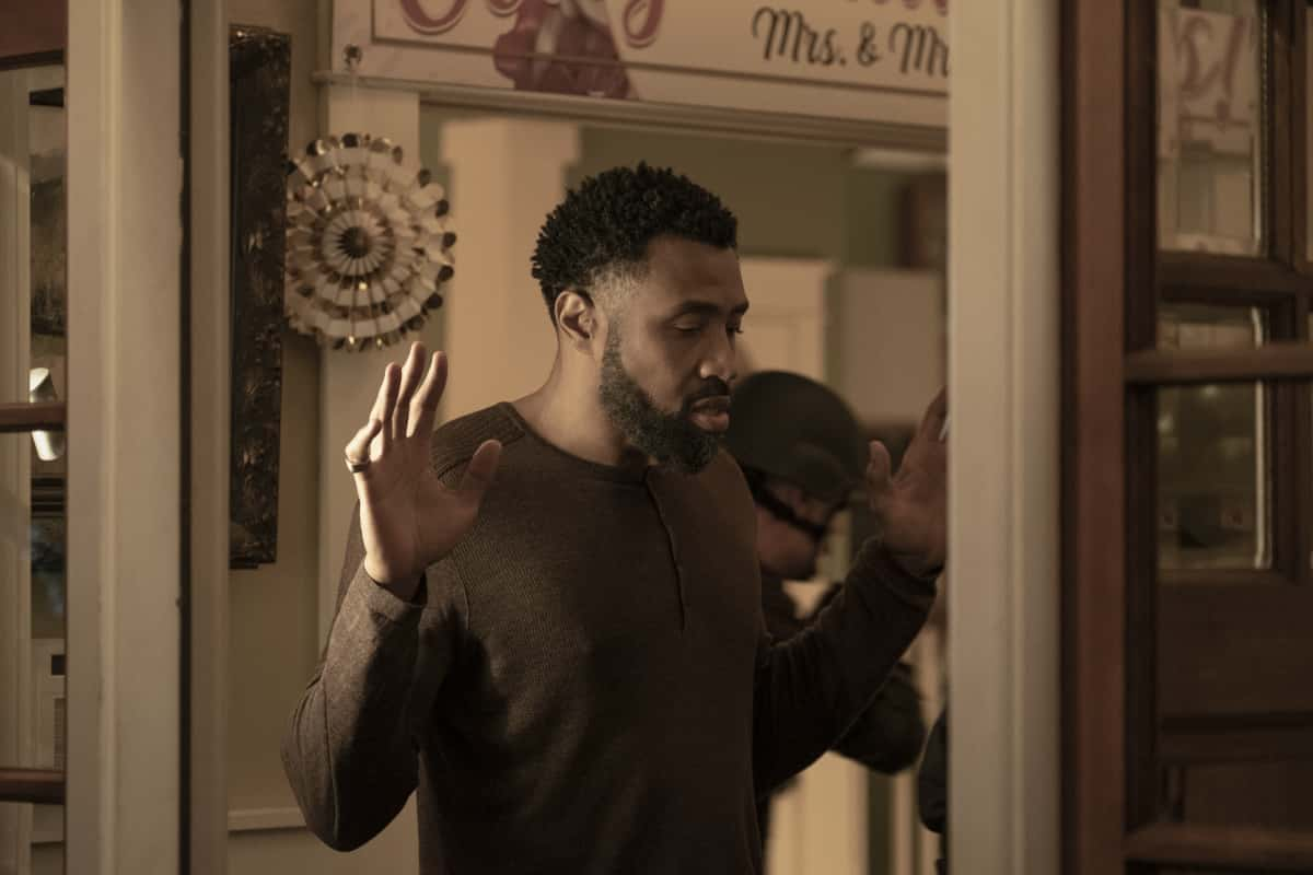 """Black Lightning season 4 episode 8 -- """"The Book of Ruin: Chapter Three"""" -- Image Number: BLK408_0033r.jpg -- Pictured: Cress Williams as Jefferson -- Photo: Kyle Kaplan/The CW --  2021 The CW Network, LLC. All rights reserved."""