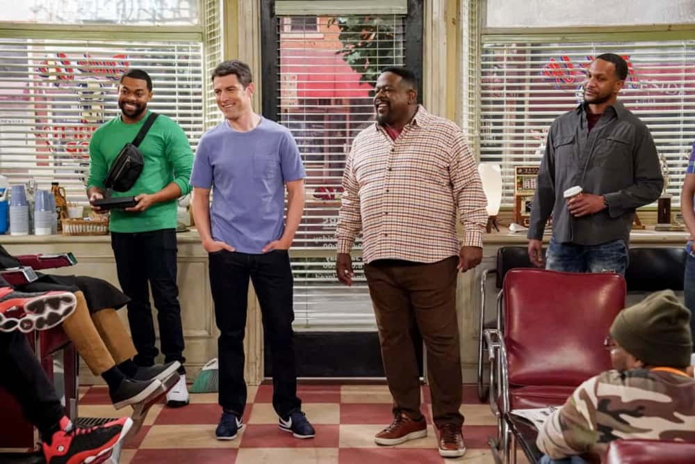 THE NEIGHBORHOOD Season 3 Episode 14 Photos Welcome To The Hero