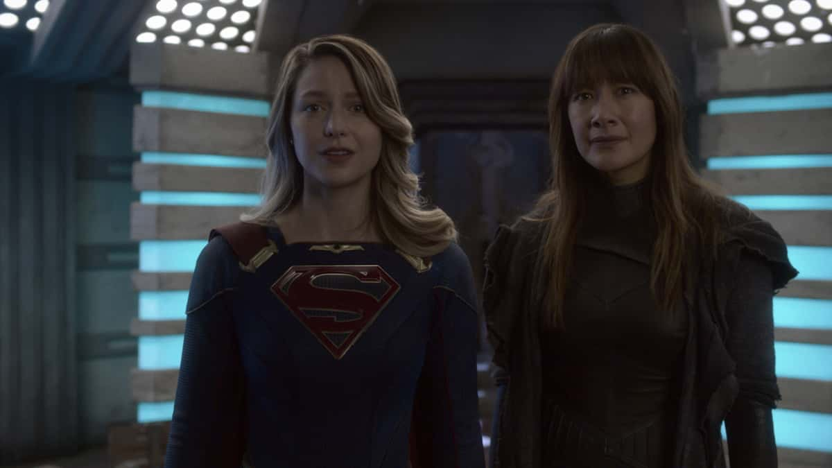 "Supergirl Season 6 Episode 4 -- ""Lost Souls"" -- Image Number: SPG604fg_0014r.jpg -- Pictured: Melissa Benoist as Supergirl and Peta Sergeant as Nyxly .  Photo: The CW -- © 2021 The CW Network, LLC. All Rights Reserved."