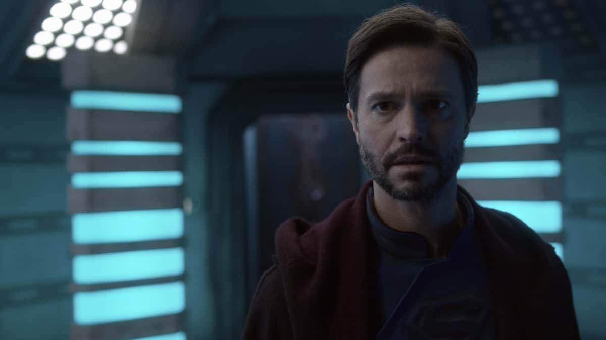 "Supergirl Season 6 Episode 4 -- ""Lost Souls"" -- Image Number: SPG604fg_0008r.jpg -- Pictured: Jason Behr as Zor-El. Photo: The CW -- © 2021 The CW Network, LLC. All Rights Reserved."