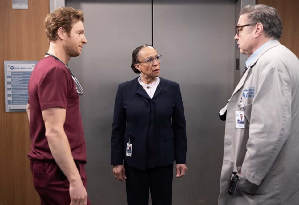 CHICAGO MED Season 6 Episode 12 Photos Some Things Are Worth The Risk