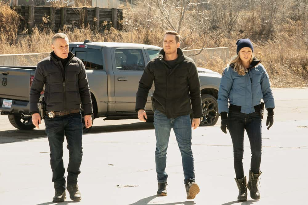 "CHICAGO PD Season 8 Episode 12 -- ""Due Process"" Episode 812 -- Pictured: (l-r) Jason Beghe as Hank Voight, Jesse Lee Soffer as Jay Halstead, Tracy Spiridakos as Hailey Upton -- (Photo by: Lori Allen/NBC)"