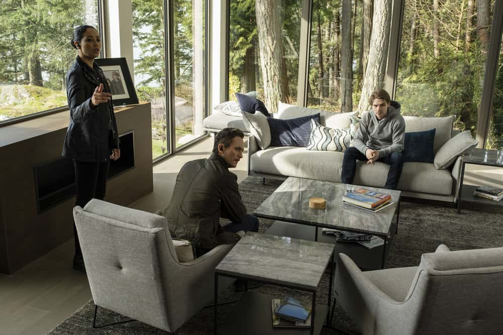 "DEBRIS Season 1 Episode 9 -- ""Do You Know Icarus"" Episode: 109 -- Pictured: (l-r) Riann Steele as Finola Jones, Jonathan Tucker as Bryan Beneventi, Keenan Tracey as Shelby -- (Photo by: James Dittiger/NBC)"