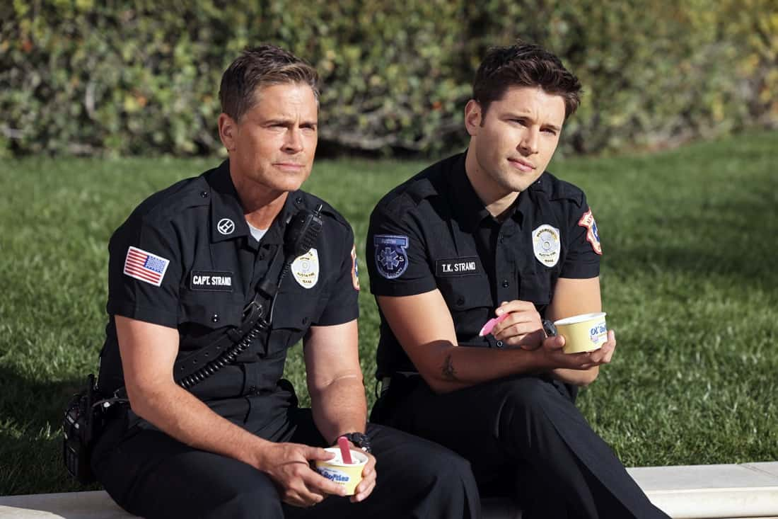"""9-1-1 LONE STAR Season 2 Episode 10 : L-R: Rob Lowe and Ronen Rubinstein in the """"A Little Help From My Friends"""" episode of 9-1-1: LONE STAR airing Monday, April 26 (9:01-10:00 PM ET/PT) on FOX. © 2021 Fox Media LLC. CR: Jordin Althaus/FOX."""