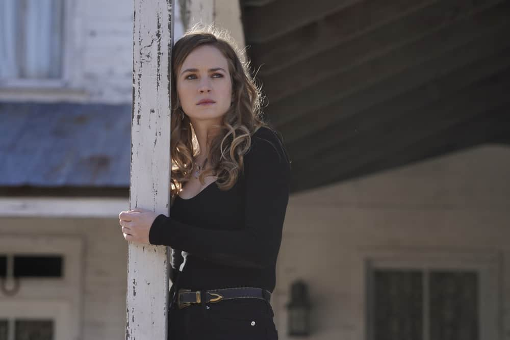"""BIG SKY Season 1 Episode 13- """"White Lion"""" – Cassie and Jenny hear that a body has been discovered on the Kleinsasser ranch and, fearing the worst, Jenny takes the investigation up a notch, but the Kleinsassers have a plan of their own. Meanwhile, Cassie teams up with Lindor to follow a hot lead on Ronald, who, suspicious that his whereabouts have been revealed, decides to do some damage control—or perhaps just damage, on """"Big Sky,"""" TUESDAY, APRIL 27 (10:00-11:00 p.m. EDT), on ABC. (ABC/Darko Sikman) BRITT ROBERTSON"""