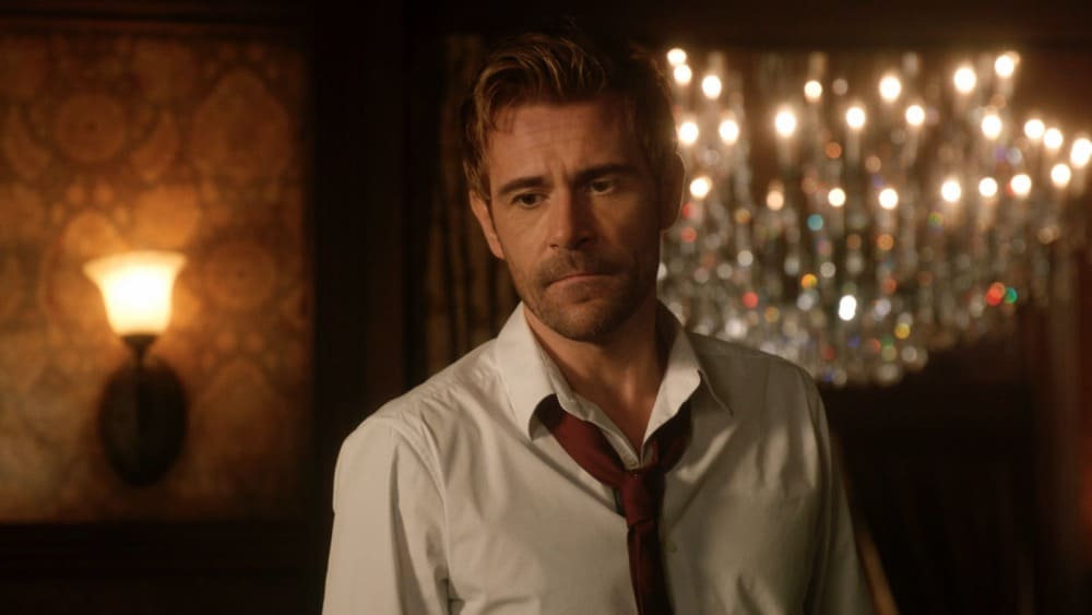 """Legends of Tomorrow Season 6 Episode 1 -- """"Ground Control to Sara Lance"""" -- Image Number: LGN601fg_0007r.jpg -- Pictured: Matt Ryan as Constantine -- Photo: The CW -- © 2021 The CW Network, LLC. All Rights Reserved."""