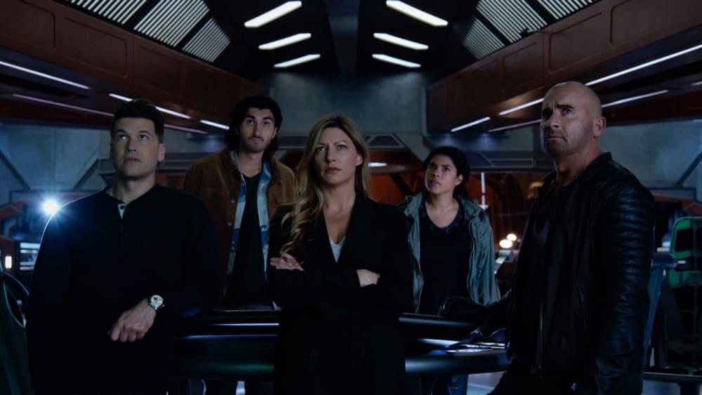 LEGENDS OF TOMORROW Season 6 Episode 1 Photos Ground Control To Sara Lance
