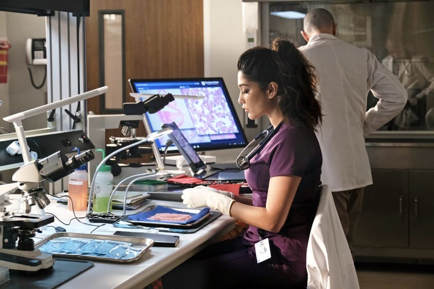 """THE RESIDENT Season 4 Episode 12 : Guest star Anuja Joshi in the """"Hope in the Unseen"""" episode of THE RESIDENT airing Tuesday, May 4 (8:00-9:01 PM ET/PT) on FOX. ©2021 Fox Media LLC Cr: Guy D'Alema/FOX"""