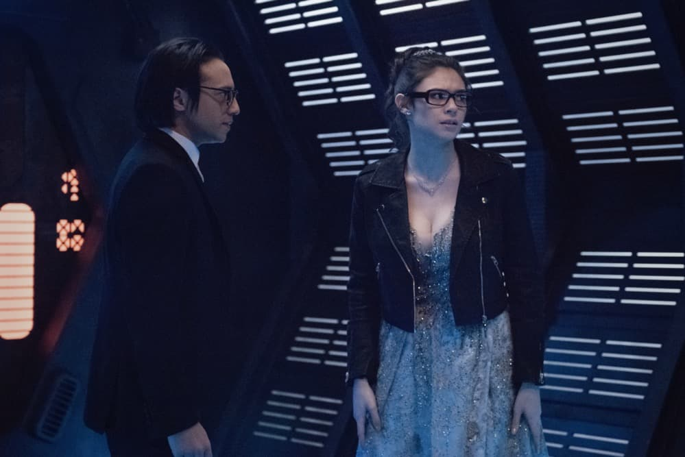 """SUPERGIRL Season 6 Episode 6 -- """"Prom Again!"""" -- Image Number: SPG606b_0072r -- Pictured (L-R): Jesse Rath as Brainiac-5 and Nicole Maines as Nia Nal -- Photo: Dean Buscher/The CW -- © 2021 The CW Network, LLC. All Rights Reserved."""
