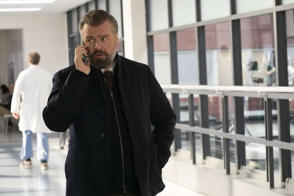 """NEW AMSTERDAM Season 3 Episode 10 -- """"Radical"""" Episode 310 -- Pictured: Tyler Labine as Dr. Iggy Frome -- (Photo by: Virginia Sherwood/NBC)"""