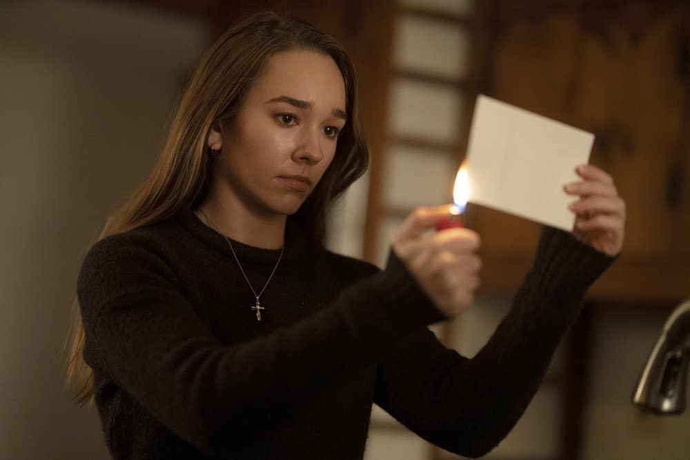 """MANIFEST Season 3 Episode 7 -- """"Precious Cargo"""" Episode 307 -- Pictured: Holly Taylor as Angelina Meyer -- (Photo by: Peter Kramer/Warner Brothers)"""