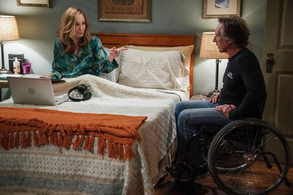 """MOM Season 8 Episode 17 """"A Community Hero and a Wide Turn"""" – The women attend a gala honoring Marjorie, but Bonnie's speech doesn't go as planned, on MOM, Thursday, May 6 (9:01-9:30 PM, ET/PT) on the CBS Television Network. Pictured (L-R): Allison Janney as Bonnie and William Fichtner as Adam Photo: Michael Yarish/CBS ©2021 CBS Broadcasting, Inc. All Rights Reserved."""