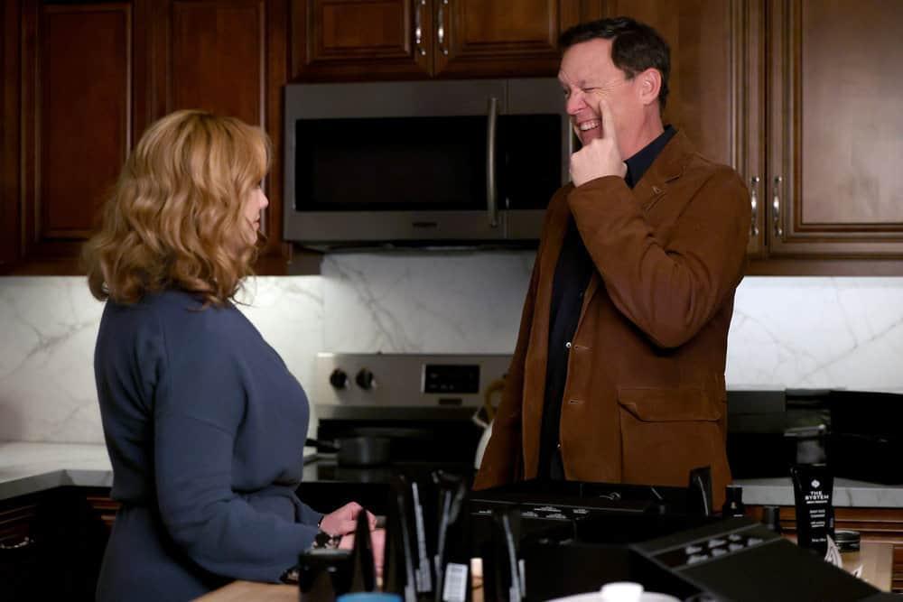 "GOOD GIRLS Season 4 Episode 8 -- ""Broken Toys"" Episode 408 -- Pictured: (l-r) Christina Hendricks as Beth Boland, Matthew Lillard as Dean -- (Photo by: Jordin Althaus/NBC)"