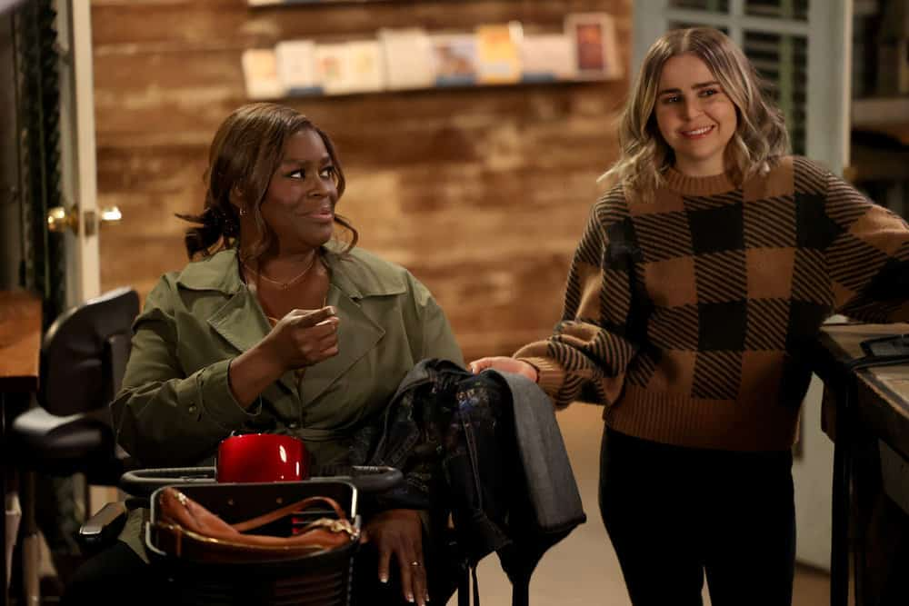 "GOOD GIRLS Season 4 Episode 8 -- ""Broken Toys"" Episode 408 -- Pictured: (l-r) Retta as Ruby Hill, Mae Whitman as Annie Marks -- (Photo by: Jordin Althaus/NBC)"