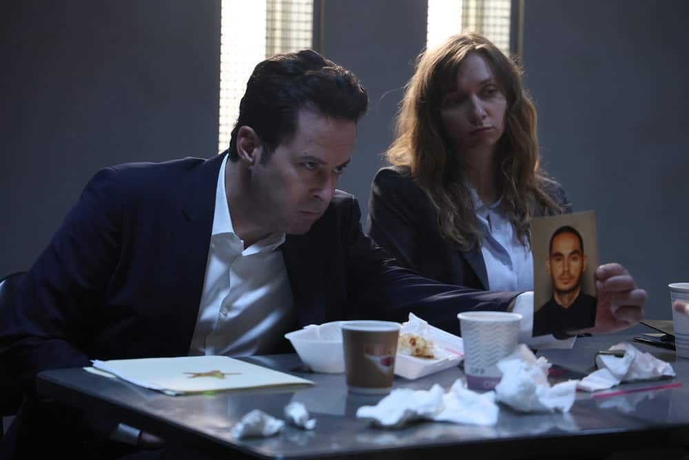 "GOOD GIRLS Season 4 Episode 8 -- ""Broken Toys"" Episode 408 -- Pictured: (l-r) Jonathan Silverman as DL Dave, Lauren Lapkus as Phoebe -- (Photo by: Jordin Althaus/NBC)"