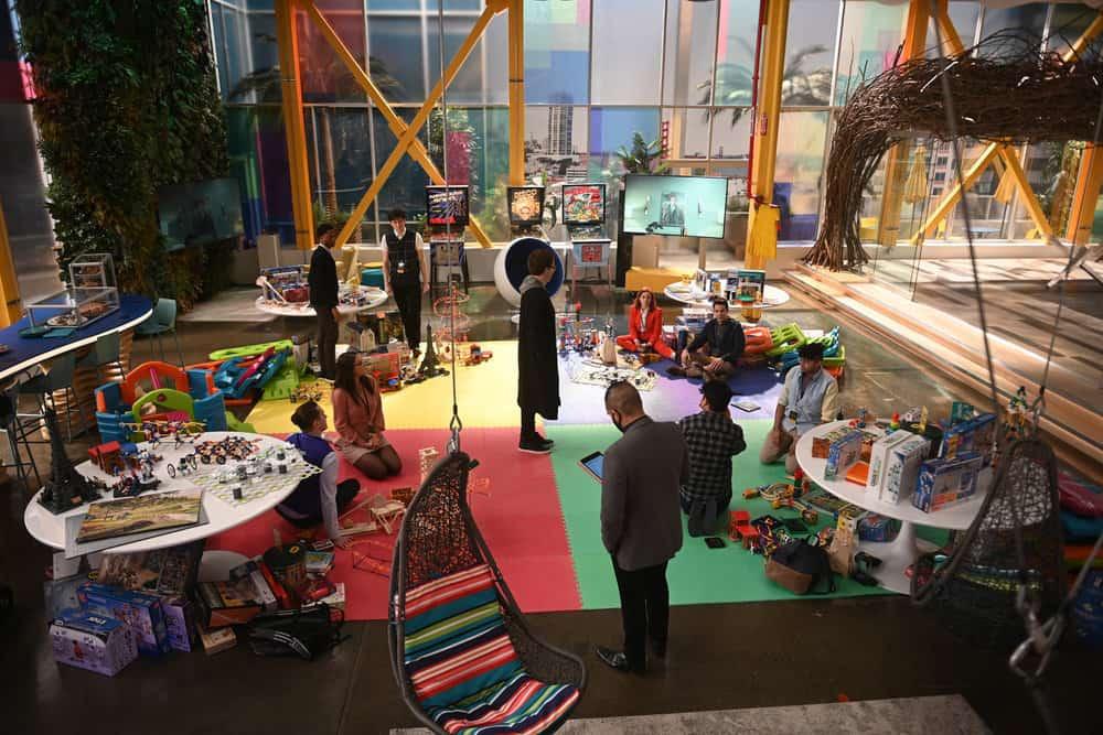 "ZOEY'S EXTRAORDINARY PLAYLIST Season 2 Episode 12 -- ""Zoey's Extraordinary Session"" Episode 212 -- Pictured: (l-r) Michael Thomas Grant as Leif, Noah Weisberg as Danny, Jane Levy as Zoey Clarke, Skylar Astin as Ma -- (Photo by: Sergei Bachlakov/NBC/Lionsgate)"