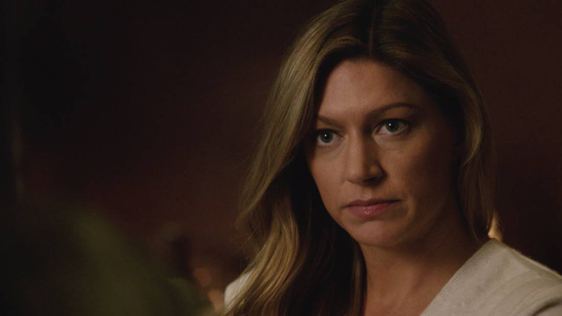 """LEGENDS OF TOMORROW Season 6 Episode 2 -- """"Meat: The Legends"""" -- Image Number: LGN602fg_0051r.jpg -- Pictured: Jes Macallan as Ava -- Photo: The CW -- © 2021 The CW Network, LLC. All Rights Reserved."""