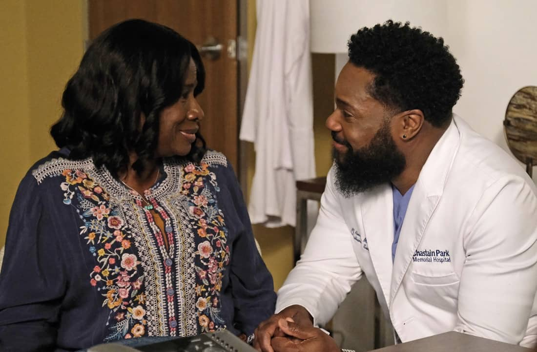 """THE RESIDENT Season 4 Episode 13 : L-R: Guest star Summer Selby and Malcolm-Jamal Warner in the """"A Children's Story"""" episode of THE RESIDENT airing Tuesday, May 11 (8:00-9:01 PM ET/PT) on FOX. ©2021 Fox Media LLC Cr: Guy D'Alema/FOX"""