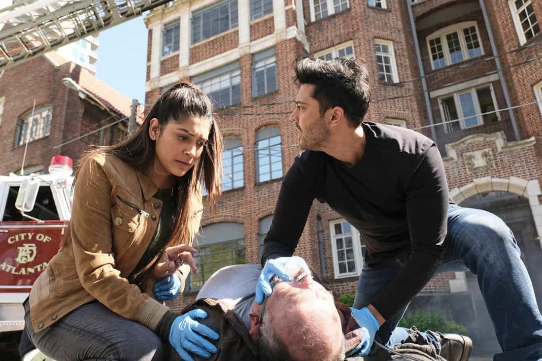 THE RESIDENT Season 4 Episode 13 : L-R: Guest star Anuja Joshi, guest star Miguel Perez and Manish Dayal in the ìA Childrenís Storyî episode of THE RESIDENT airing Tuesday, May 11 (8:00-9:01 PM ET/PT) on FOX. ©2021 Fox Media LLC Cr: Guy D'Alema/FOX