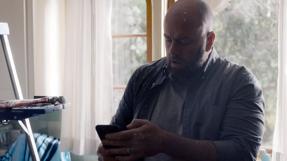 """THIS IS US Season 5 Episode 14-- """"The Music and the Mirror"""" Episode 514 -- Pictured in this screengrab: Chris Sullivan as Toby -- (Photo by: NBC)"""