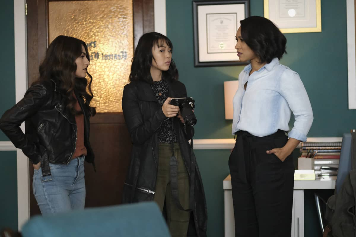 """THE FLASH Season 7 Episode 9 -- """"Timeless"""" -- Image Number: FLA709a_0139r.jpg -- Pictured (L-R): Kayla Compton as Allegra, Victoria Park as Kamilla and Candice Patton as Iris West - Allen -- Photo: Bettina Strauss/The CW -- © 2021 The CW Network, LLC. All Rights Reserved.Photo Credit: Bettina Strauss"""