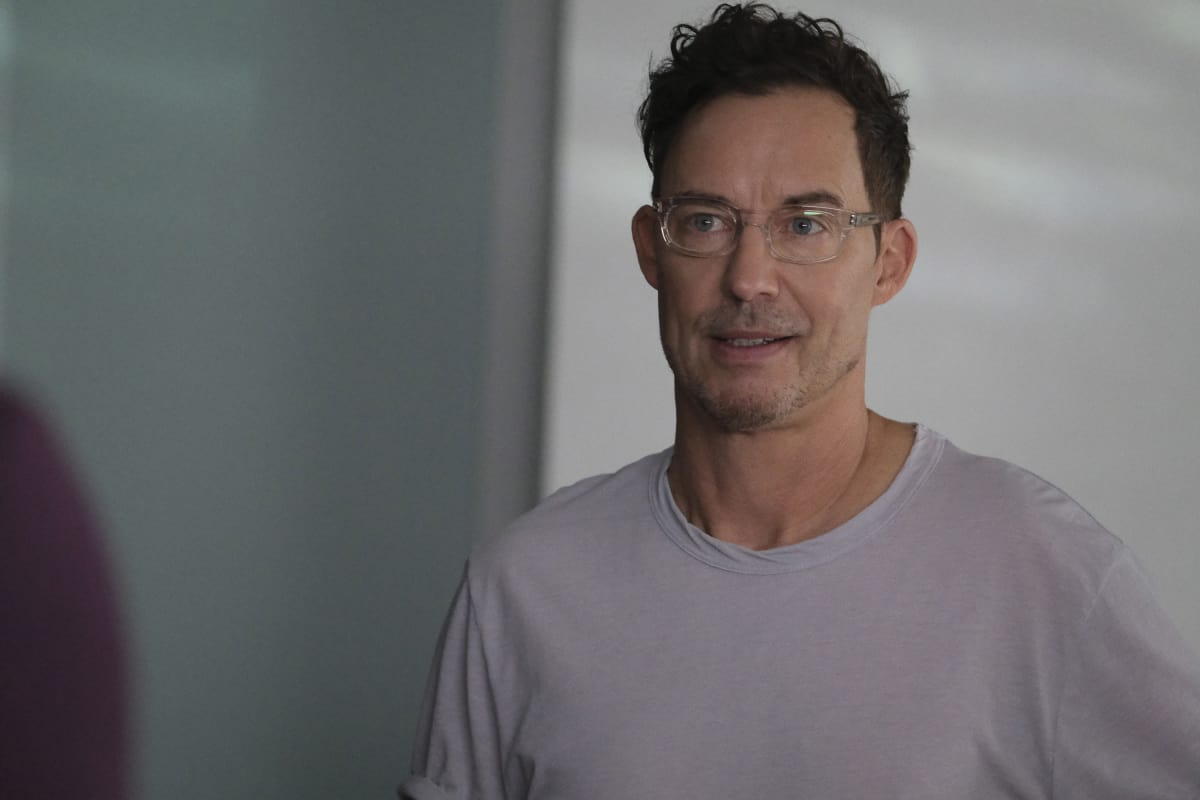"""THE FLASH Season 7 Episode 9 -- """"Timeless"""" -- Image Number: FLA709a_0064r.jpg -- Pictured: Tom Cavanagh as Timeless Wells  -- Photo: Bettina Strauss/The CW -- © 2021 The CW Network, LLC. All Rights Reserved.Photo Credit: Bettina Strauss"""