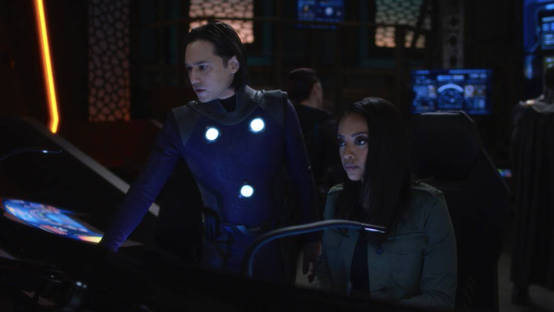 """SUPERGIRL Season 6 Episode 7 -- """"Fear Knot"""" -- Image Number: SPG607fg_0043r.jpg -- Pictured (L-R): Jesse Rath as Brainiac-5 and Azie Tesfai as Kelly Olsen— Photo: The CW -- © 2021 The CW Network, LLC. All Rights Reserved."""