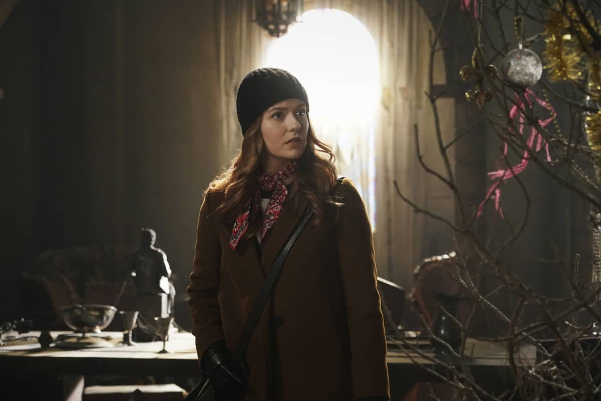"""NANCY DREW Season 2 Episode 15-- """"The Celestial Visitor"""" -- Image Number: NCD215e_0410r.jpg -- Pictured: Kennedy McMann as Nancy -- Photo: Shane Harvey/The CW -- © 2021 The CW Network, LLC. All Rights Reserved."""