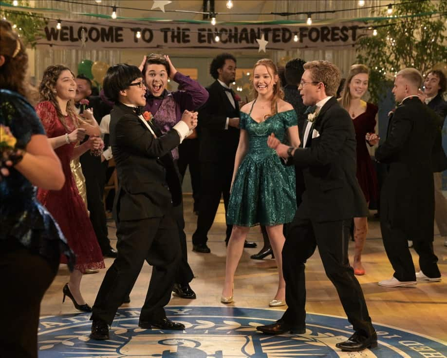 """THE GOLDBERGS Season 8 Episode 21 - """"Alligator Schwartz"""" – Erica fears that Geoff has moved on from their breakup and started dating someone else. Meanwhile, Adam decides to find Dave Kim a date to prom, once he remembers his pact with Dave that they won't go to prom if they both don't have dates, on a new episode of """"The Goldbergs,"""" WEDNESDAY, MAY 12 (8:00-8:30 p.m. EDT), on ABC. (ABC/Temma Hankin) STEPHANIE KATHERINE GRANT, KENNY RIDWAN, SADIE STANLEY, SEAN GIAMBRONE"""