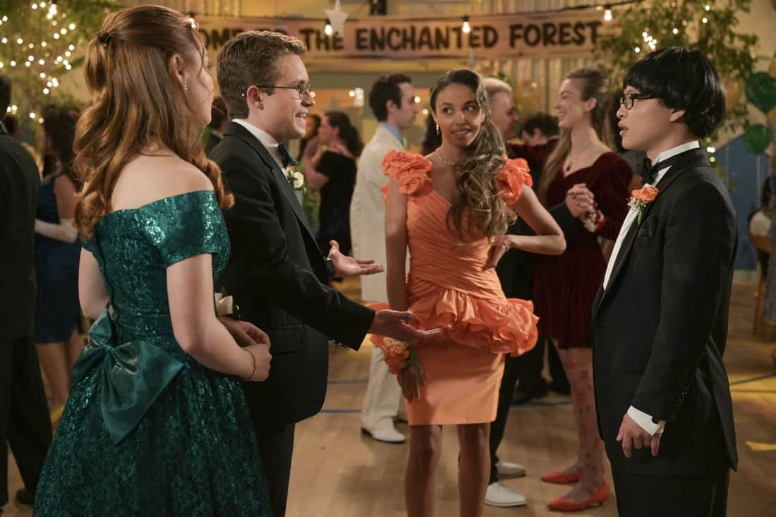 """THE GOLDBERGS Season 8 Episode 21 - """"Alligator Schwartz"""" – Erica fears that Geoff has moved on from their breakup and started dating someone else. Meanwhile, Adam decides to find Dave Kim a date to prom, once he remembers his pact with Dave that they won't go to prom if they both don't have dates, on a new episode of """"The Goldbergs,"""" WEDNESDAY, MAY 12 (8:00-8:30 p.m. EDT), on ABC. (ABC/Temma Hankin) SADIE STANLEY, SEAN GIAMBRONE, SARAH KAUFMANN, KENNY RIDWAN"""