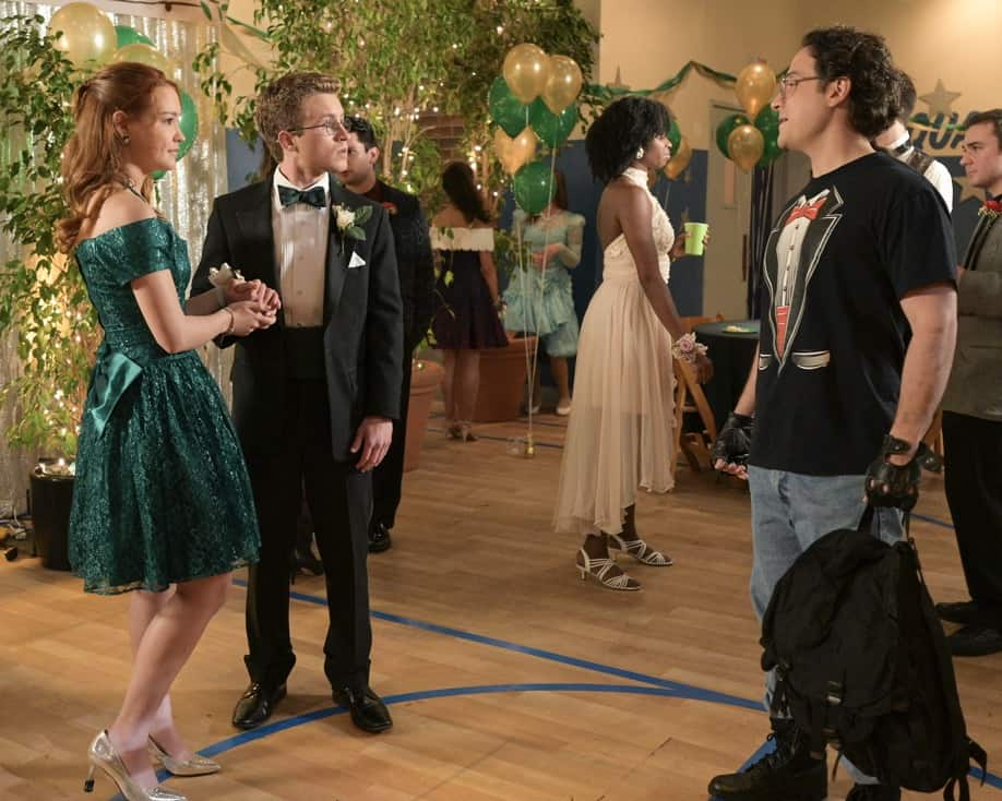 """THE GOLDBERGS Season 8 Episode 21 - """"Alligator Schwartz"""" – Erica fears that Geoff has moved on from their breakup and started dating someone else. Meanwhile, Adam decides to find Dave Kim a date to prom, once he remembers his pact with Dave that they won't go to prom if they both don't have dates, on a new episode of """"The Goldbergs,"""" WEDNESDAY, MAY 12 (8:00-8:30 p.m. EDT), on ABC. (ABC/Temma Hankin) SADIE STANLEY, SEAN GIAMBRONE, SEAN MARQUETTE"""