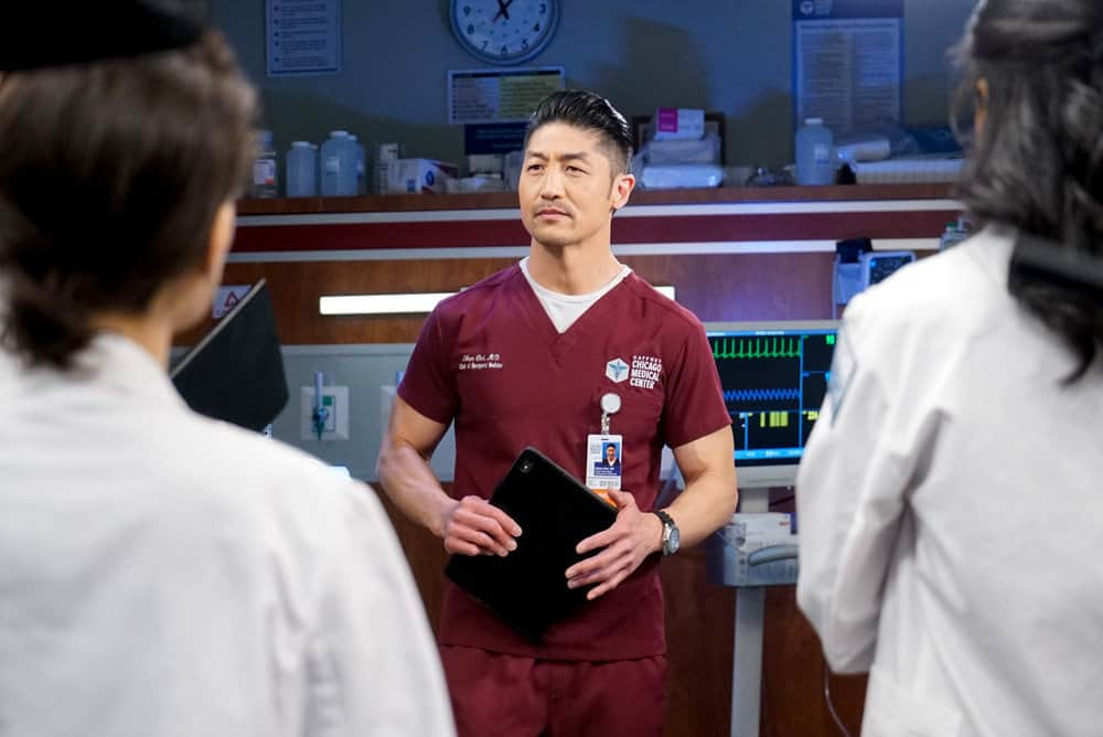 """CHICAGO MED Season 6 Episode 14 -- """"A Red Pill, A Blue Pill"""" Episode 614 -- Pictured: Brian Tee as Ethan Choi -- (Photo by: Elizabeth Sisson/NBC)"""