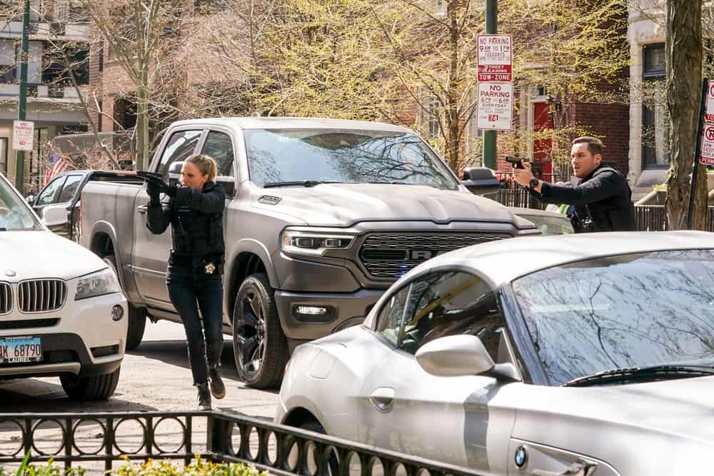 """CHICAGO PD Season 8 Episode 14 -- """"Safe"""" Episode 814 -- Pictured: (l-r) Tracy Spiridakos as Hailey Upton, Jesse Lee Soffer as Jay Halstead -- (Photo by: Lori Allen/NBC), Jesse Lee Soffer as Jay Halstead"""