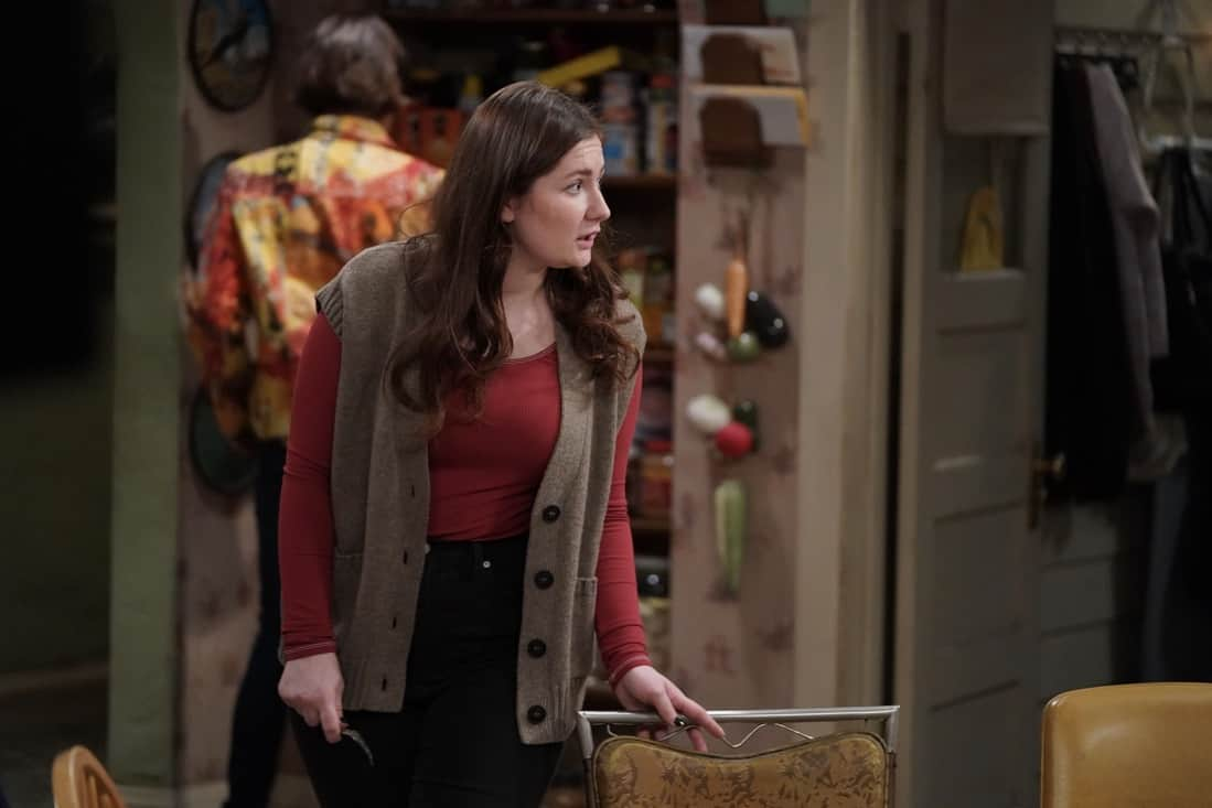 """THE CONNERS Season 3 Episode 19 - """"Jeopardé, Sobrieté, and Infidelité"""" – Darlene makes a decision about her trip to Hawaii, leading to a heated encounter with Barb. Meanwhile, Becky gives a presentation on addiction to Mark's class on an all-new episode of """"The Conners,"""" airing WEDNESDAY, MAY 12 (9:00-9:30p.m. EDT), on ABC. (ABC/Eric McCandless) EMMA KENNEY"""