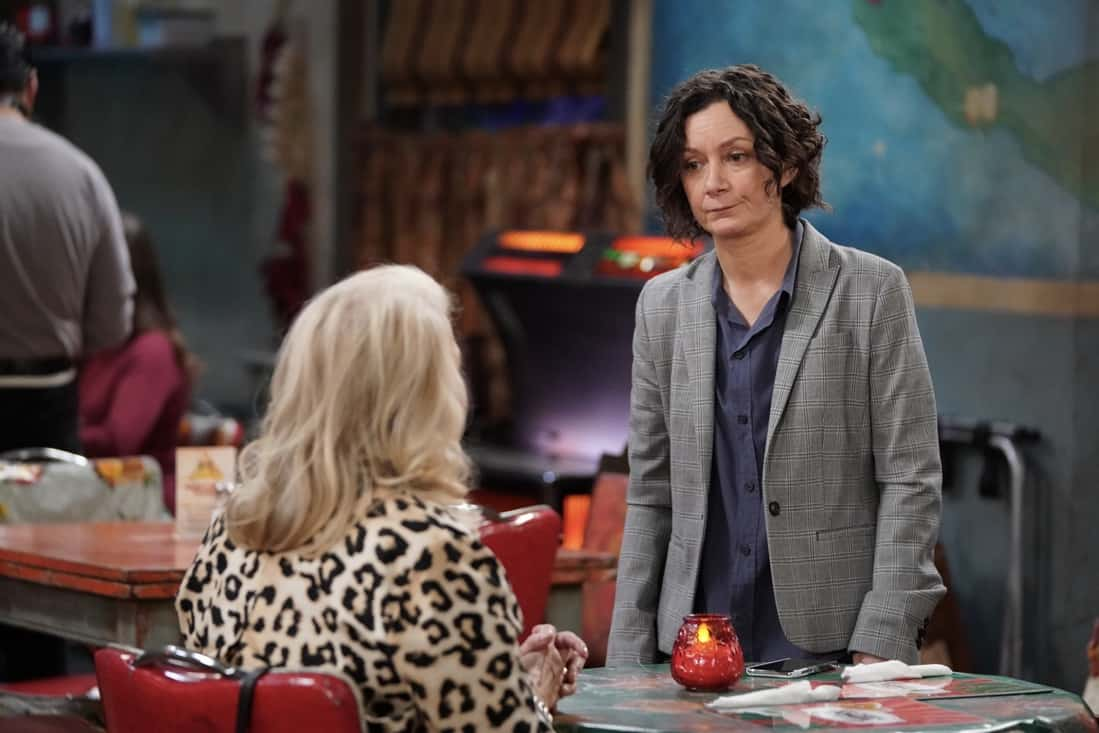 """THE CONNERS Season 3 Episode 19 - """"Jeopardé, Sobrieté, and Infidelité"""" – Darlene makes a decision about her trip to Hawaii, leading to a heated encounter with Barb. Meanwhile, Becky gives a presentation on addiction to Mark's class on an all-new episode of """"The Conners,"""" airing WEDNESDAY, MAY 12 (9:00-9:30p.m. EDT), on ABC. (ABC/Eric McCandless) SARA GILBERT"""