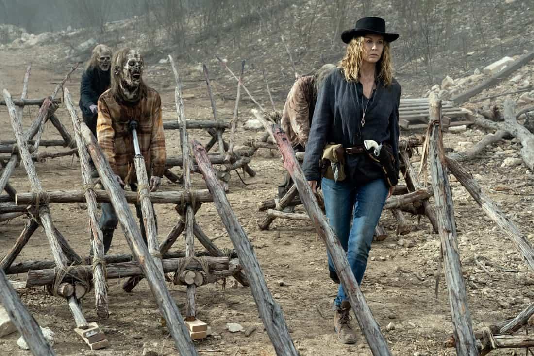 FEAR THE WALKING DEAD Season 6 Episode 13 Jenna Elfman as June - Fear the Walking Dead _ Season 6, Episode 13 - Photo Credit: Ryan Green/AMC