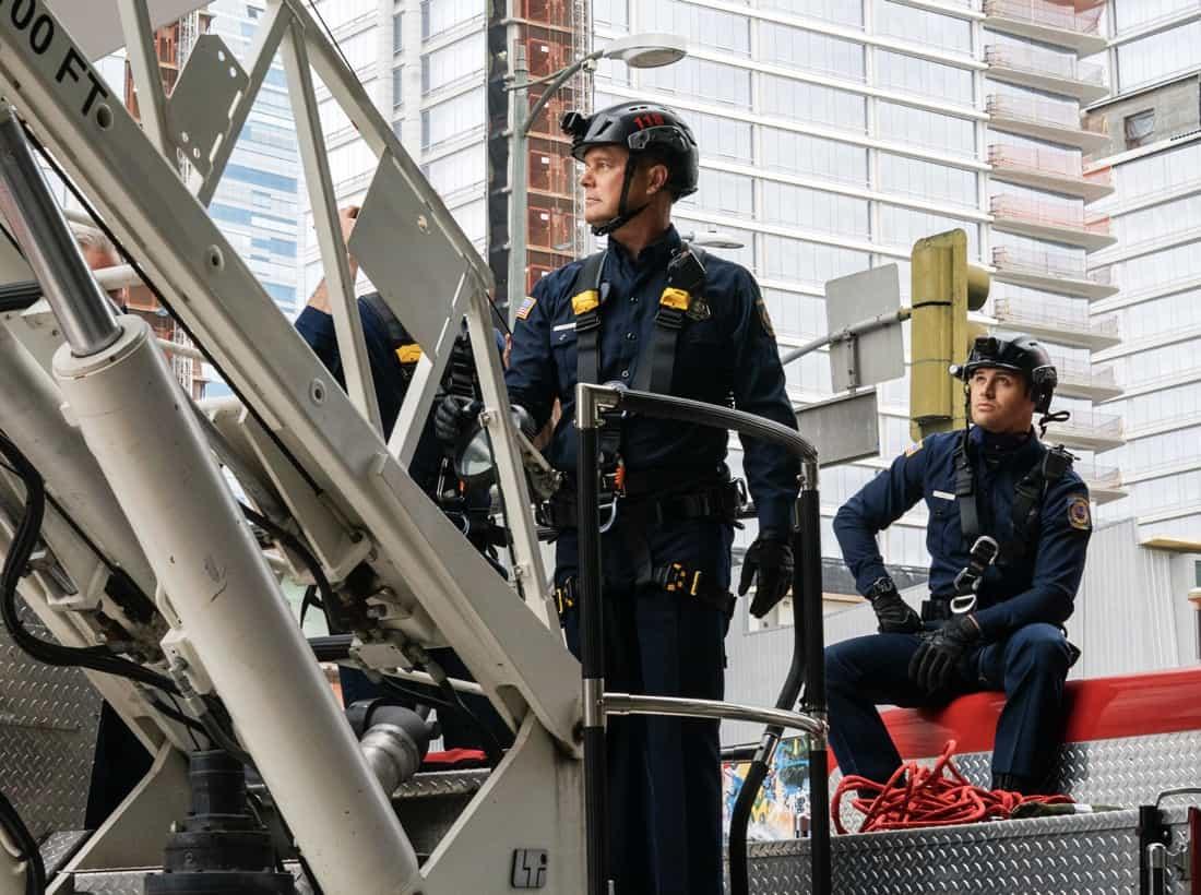 "9-1-1 Season 4 Episode 13 : L-R: Peter Krause and Ryan Guzman in the ""Suspicion"" episode of 9-1-1 airing Monday, May 17 (8:00-9:00 PM ET/PT) on FOX. CR: Jack Zeman /FOX. © 2021 FOX Media LLC."