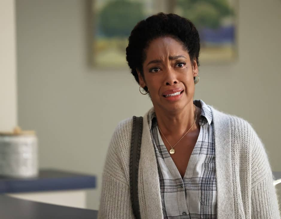 """9-1-1 LONE STAR Season 2 Episode 13 : Gina Torres in the """"One Day"""" episode of 9-1-1: LONE STAR airing Monday, May 17 (9:01-10:00 PM ET/PT) on FOX. © 2021 Fox Media LLC. CR: Jordin Althaus/FOX."""