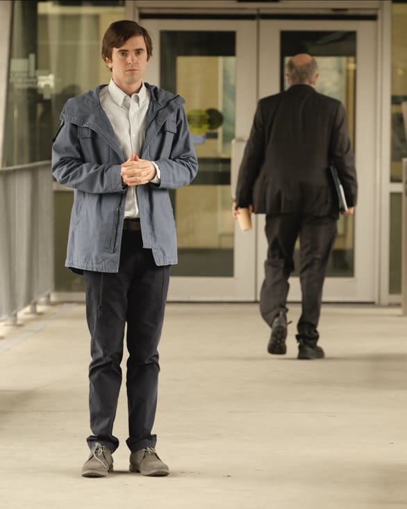 """THE GOOD DOCTOR Season 4 Episode 17 - """"Letting Go"""" – Dr. Claire Brown and the team must face hard truths about what lines they are willing to cross when one of Claire's idols becomes her patient on """"The Good Doctor,"""" MONDAY, MAY 17 (10:00-11:00 p.m. EDT), on ABC. (ABC/Jeff Weddell) FREDDIE HIGHMORE"""