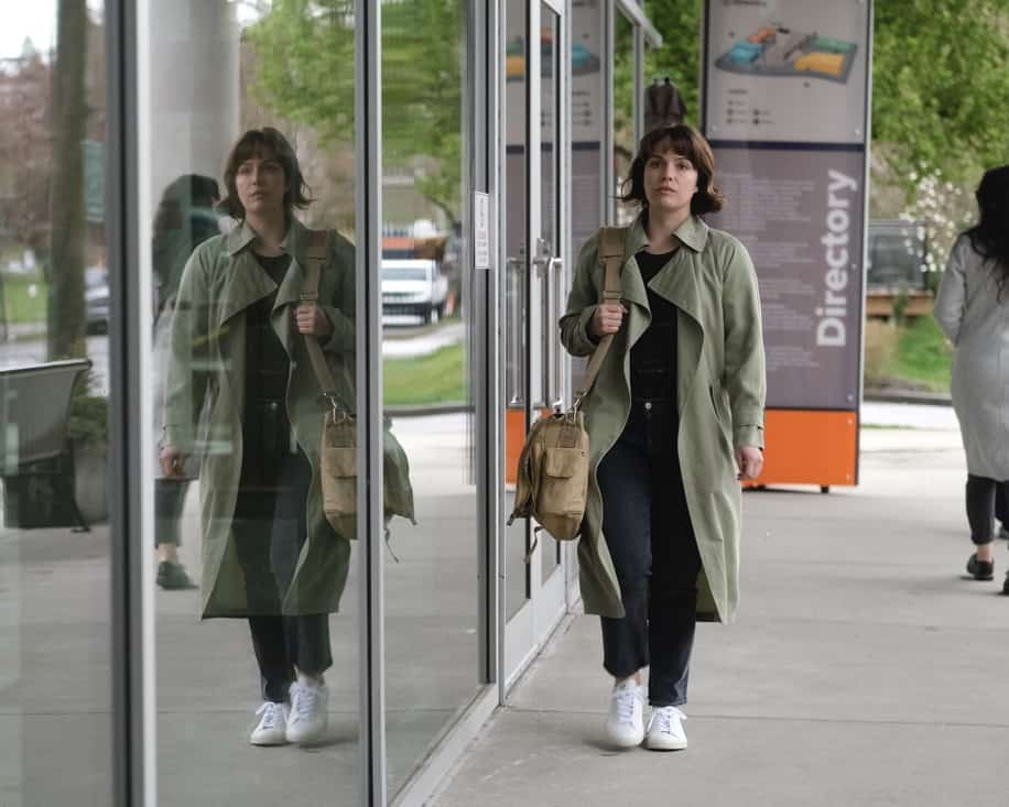 """THE GOOD DOCTOR Season 4 Episode 17 - """"Letting Go"""" – Dr. Claire Brown and the team must face hard truths about what lines they are willing to cross when one of Claire's idols becomes her patient on """"The Good Doctor,"""" MONDAY, MAY 17 (10:00-11:00 p.m. EDT), on ABC. (ABC/Jeff Weddell) PAIGE SPARA"""