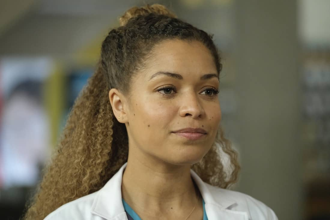 """THE GOOD DOCTOR Season 4 Episode 17 - """"Letting Go"""" – Dr. Claire Brown and the team must face hard truths about what lines they are willing to cross when one of Claire's idols becomes her patient on """"The Good Doctor,"""" MONDAY, MAY 17 (10:00-11:00 p.m. EDT), on ABC. (ABC/Jeff Weddell) ANTONIA THOMAS"""