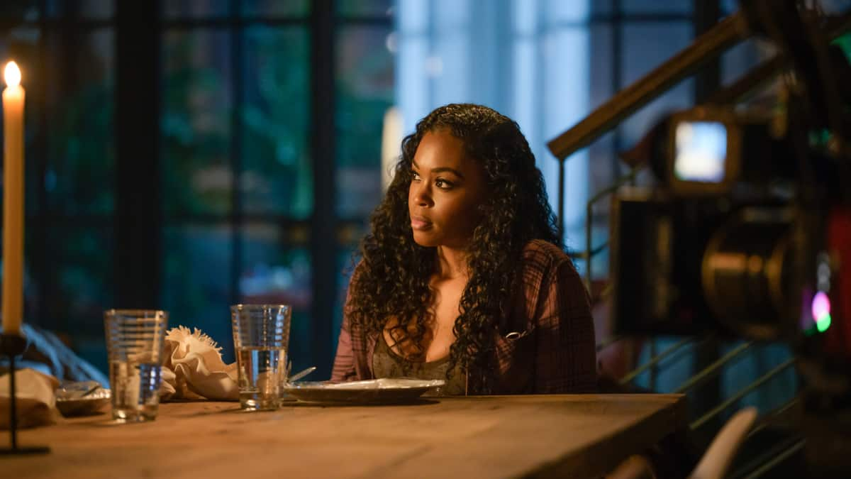 """BLACK LIGHTNING Season 4 Episode 12-- """"The Book of Resurrection: Chapter One"""" -- Image Number: BLK412a_0208r.jpg -- Pictured: Nafessa Williams as Anissa — Photo: Boris Martin/The CW --  ©2021 The CW Network, LLC. All rights reserved."""