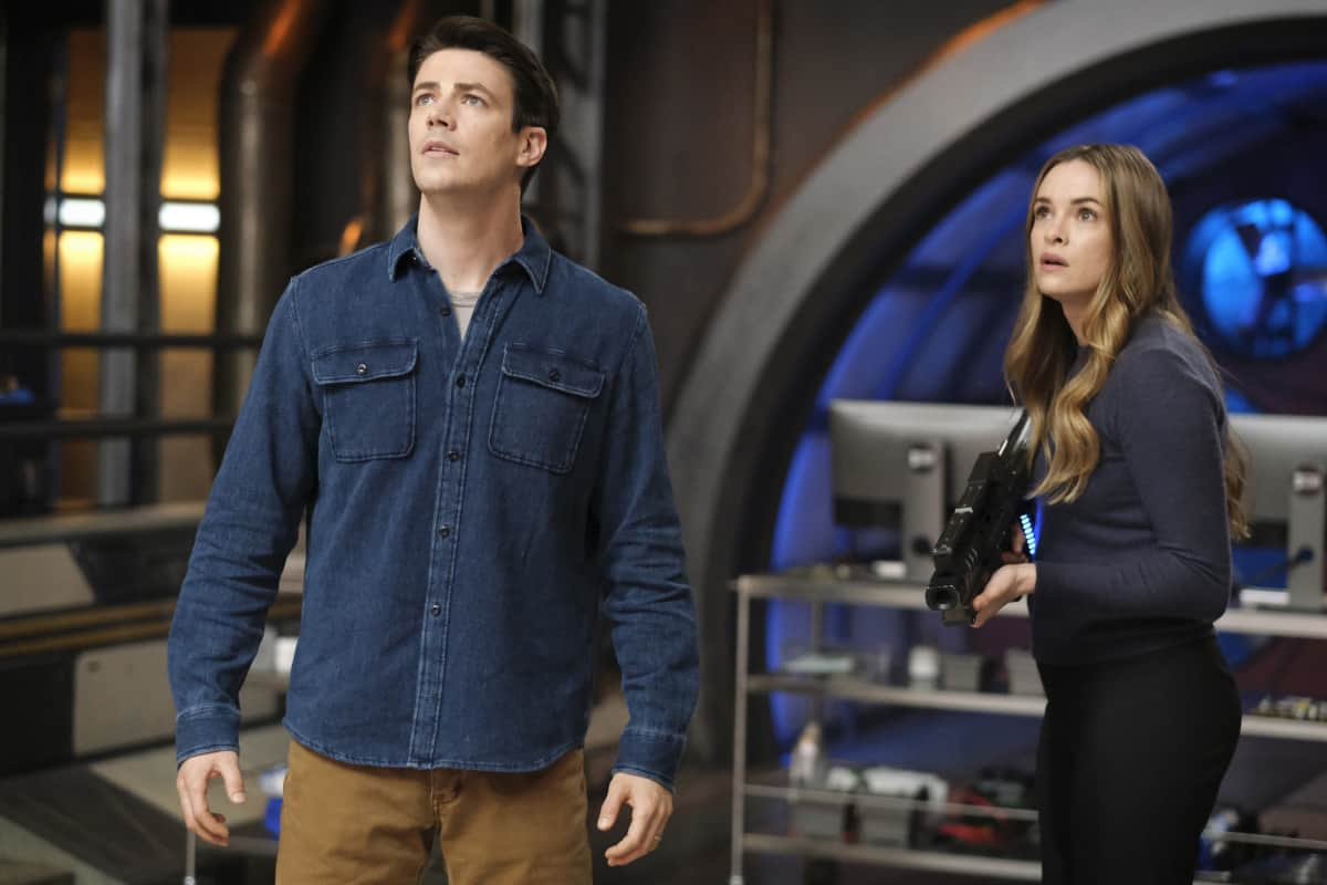 """THE FLASH Season 7 Episode 10-- """"Family Matters, Part 1"""" -- Image Number: FLA710a_0176r.jpg -- Pictured (L-R): Grant Gustin as Barry Allen and Danielle Panabaker as Caitlin Snow  -- Photo: Bettina Strauss/The CW -- © 2021 The CW Network, LLC. All Rights Reserved.Photo Credit: Bettina Strauss"""