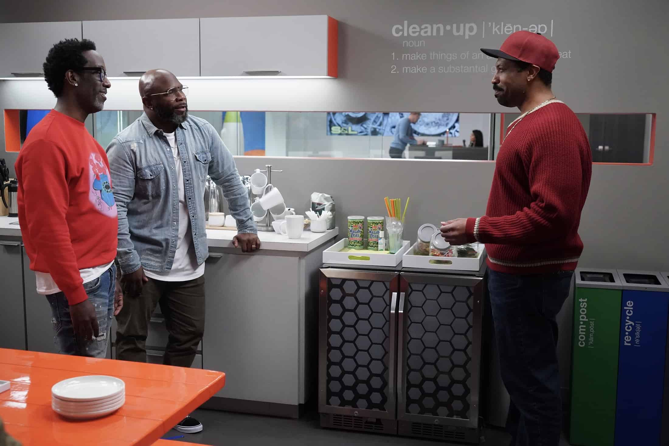 """BLACK-ISH Season 7 Episode 21- """"Urban Legend"""" – Dre feels pigeonholed to the urban marketing team at Stevens & Lido and realizes he needs to make some big career changes. Boyz II Men stop by the office to help out the team with a SoFi campaign pitch.  Meanwhile, Junior has to deal with the twins who are overstaying their welcome at his and Olivia's apartment on the season finale of """"black-ish,"""" TUESDAY, MAY 18 (9:00-9:30 p.m. EDT), on ABC. (ABC/Richard Cartwright) SHAWN STOCKMAN, WANYA MORRIS, DEON COLE"""
